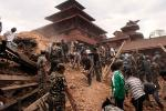 20150427-nepal-earthquake-in-pictures-Main-5