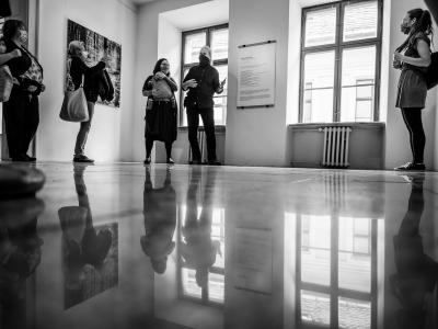 Foto: Rudolf Baranovič - fotoobrázky života okolo nás (2020). Autorská výstava Peter a Veronika Marek, Stredoeurópsky dom fotografie v Bratislave.