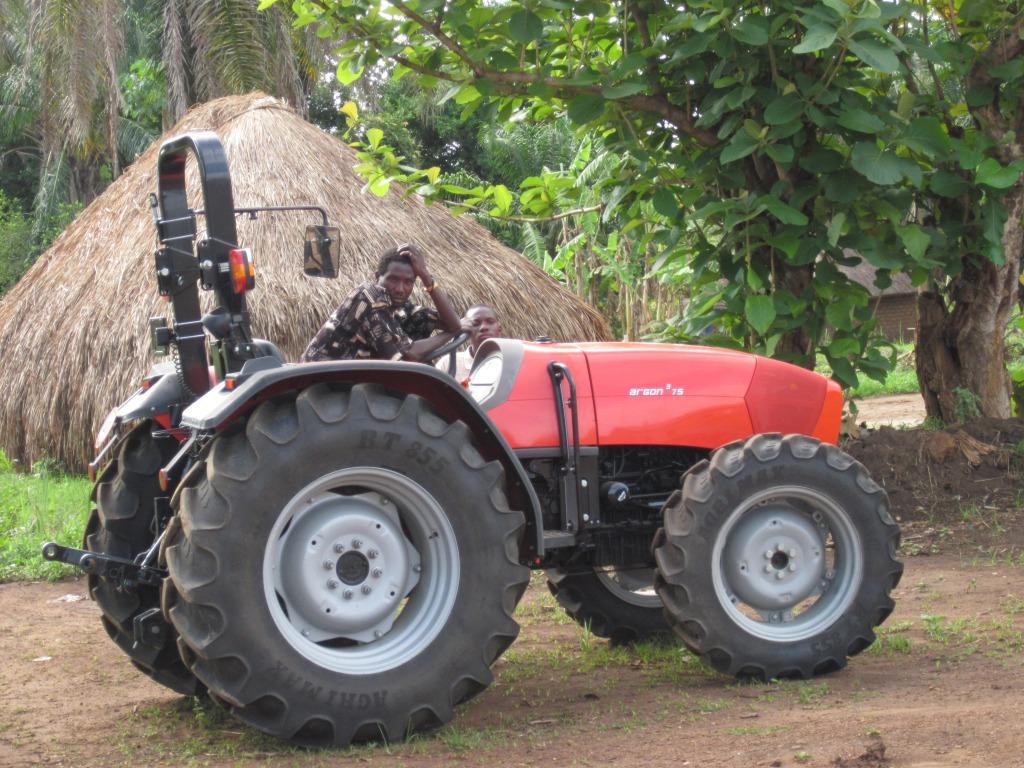 Nový pomocník pre farmárov v Maridi. : Foto: Archív SAVIO